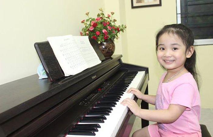 Học Piano đệm hát thanh xuân
