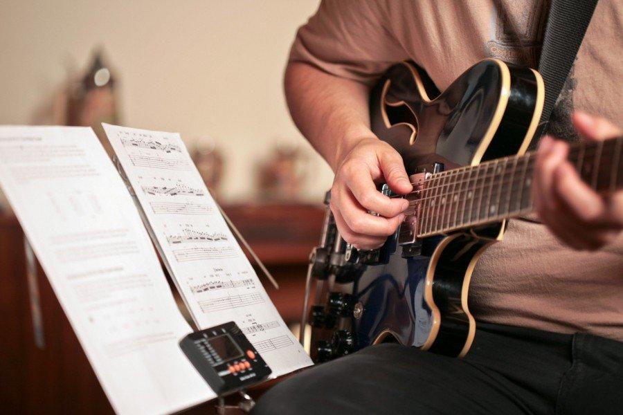 5-dieu-can-biet-truoc-khi-hoc-guitar-3